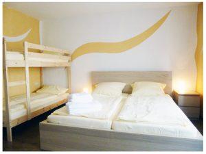 Bett-Zimmer-1
