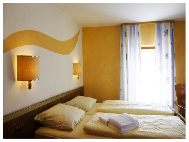 Bett-Zimmer-4